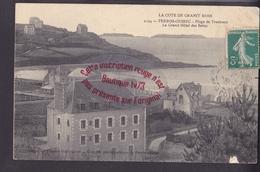R082 - PERROS GUIREC Plage De Trestraou Le Grand Hotel Des Bains - Cotes D'Armor - Perros-Guirec