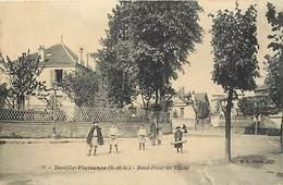 - Seine Saint Denis -ref-A729- Neuilly Plaisance - Rond Point Du Chalet - Enfants - Carte Bon Etat - - Neuilly Plaisance