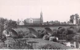 71 - ETANG Sur ARROUX Le Pont Et L'Eglise - CPSM Photo Village ( 1.910 Habitants ) Dentelée Format CPA  - Saône Et Loire - France