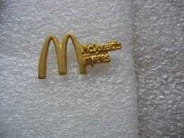 Pin's Du Mac Donald's De La Ville De Hyéres (Dépt 83) - McDonald's