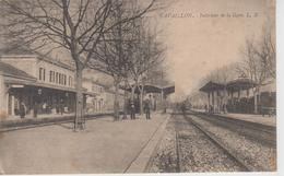 CPA Cavaillon - Intérieur De La Gare (animation Avec Train En Petit Plan) - Cavaillon