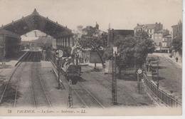 CPA Valence - La Gare - Intérieur (avec Train En Joli Plan) - Valence