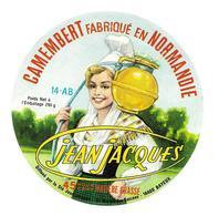 ETIQUETTE De FROMAGE. CAMEMBERT Fabriqué En NORMANDIE (Calvados 14-AB)..Jean Jacques - Cheese