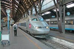 Milan (Lombardie - Italie)  22 Mars 2008  La Rame TGV R N°4506 (tricourant) En Gare De Milano Centrale - Stazioni Con Treni