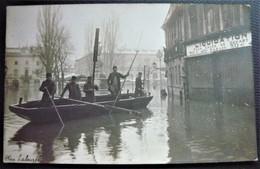 25 - BESANCON -  Les Innondations De 1910 - Place Labourée  - Carte Photo Innondation - Doubs - Besancon