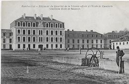 Rambouillet. Le Batiment Du Quartier De La Venerie Affecté A L'école De Cavalerie. - Rambouillet