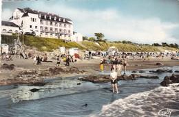 44. SAINT BREVIN L'OCEAN.. LE CASINO ET LA PLAGE  . ANNÉE 1960 - Saint-Brevin-l'Océan