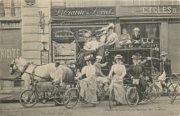 France - 45 - Orléans - Le Départ Pour Cléry - Attelage , Cyclistes , Librairie - Orleans