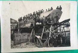 Photo, Chantier Naval, à Situer (Bateau, Transport, Animée Ouvriers Etc) - Bateaux