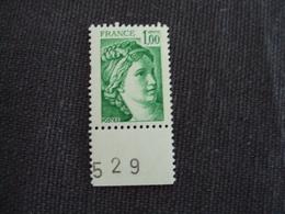 """1977- SABINE De Gandon , Neuf  - N° 1973  """" 1.00 F Vert  """" 1 Bande Phosphore Droite, Coin Daté -  Net  3 - 1971-76 Marianne (Béquet)"""