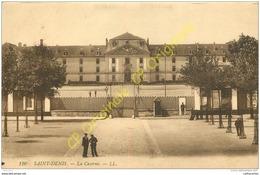 93. SAINT DENIS .  La Caserne . - Saint Denis