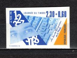 FRANCE  N° 2639a   NON DENTELE  NEUF SANS CHARNIERE  COTE 20.00€  JOURNEE DU TIMBRE - Imperforates