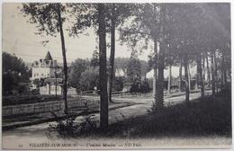 """VILLIERS-SUR-MORIN. - L'ancien Moulin. - """"passage D'un Train"""" - - Autres Communes"""