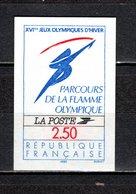 FRANCE  N° 2732a   NON DENTELE  NEUF SANS CHARNIERE  COTE 45.00€   FLAMME OLYMPIQUE - France
