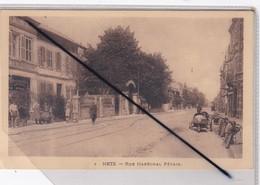 Metz (57) Rue Du Maréchal Pétain (Automobile à 3 Roues,motos,Café La Madelon) - Metz