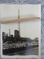93 AUBERVILLIERS - Usine Saint Gobain  INTERIEUR DE L'USINE LA CHEMINEE PHOTO ORIGINALE VERS 1920 B 12 X 9 CM - Aubervilliers