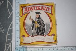 Etiquette Advokaat Cette Liqueur à Base De Jaunes D'oeufs Abîmé - Etichette