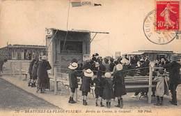CPA DEAUVILLE-LA-PLAGE-FLEURIE - Jardin Du Casino, Le Guignol - Deauville