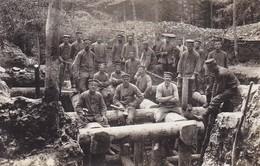 AK Foto Gruppe Deutsche Soldaten Bei Befestigungsarbeiten - Graben -  1916 (47715) - Guerra 1914-18