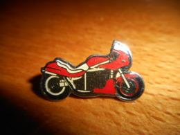 A049 -- Pin's Moto Guedon -- Exclusif Sur Delcampe - Moto