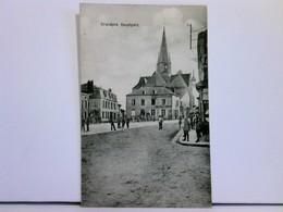 Seltene AK Grandpré, Hauptplatz; Viele Passanten / Militär; Feldpost 1916 - Frankrijk