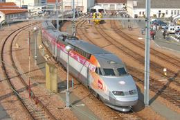 Villeneuve St. Georges (94)  14 Octobre 2006 -  Atelier De Villeneuve Rame - TGV Iris 320 -  Ex. TGV Réseau N°4530 - Villeneuve Saint Georges