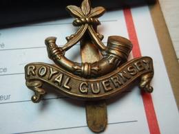 Cap Badge ROYAL GUERNSEY 1914-1918. WW1 - 1914-18