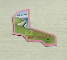 """Magnets. Magnets """"Le Gaulois"""" Départements Français. Le Pas De Calais (62) - Publicitaires"""