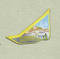 """Magnets. Magnets """"Le Gaulois"""" Départements Français. Les Pyrénées Orientales (66) - Publicitaires"""