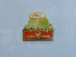 Pin's GRENOUILLES OUTILS WOLF - Animals