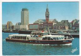 DUNKERQUE Nord).- 2082 R.- La Visite Du Port à Bord Du Bateau Promenade L' ELSA. La Tour De Reuze Et L'Hotel De Ville. - Dunkerque