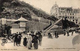 13008       BIARRITZ      LA RAMPE MOBILE A LA GRANDE PLAGE - Biarritz