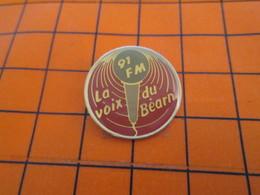 410e Pin's Pins / Beau Et Rare / THEME MEDIAS : Pour Toi Gori Le Goret 91 FM LA VOIX DU BEARN RADIO - Médias
