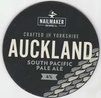 NAILMAKER BREWING CO   (BARNSLEY, ENGLAND) - AUCKLAND SOUTH PACIFIC PALE ALE - PUMP CLIP FRONT - Letreros