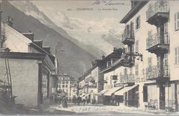 74 CHAMONIX MONT BLANC GRANDE RUE AUJOURD HUI RUE VALLOT CACHET GRAND HOTEL CACHAT DU MONT BLANC AU VERSO 3 AOUT 1904 - Chamonix-Mont-Blanc