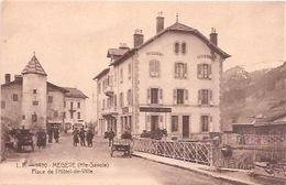 8 MEGEVE Place De L Hotel De Ville - Megève