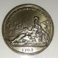 Médaille -- Du CONCILLIUM TOLOSANI COMMERC II --- Revers  COMMERCIA MENTE REGUNTUR.1703 -- ARGENT - Italie