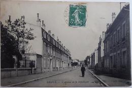 MEAUX. - L'Avenue De La République - CPA 1910 - Meaux