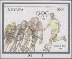 Soccer World Cup 1994 - Cycling - GUYANA - S/S Imp. Gold MNH - 1994 – Estados Unidos