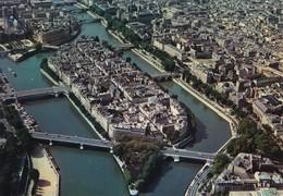 """75 PARIS. CPSM. VUE AÉRIENNE. LOT DE 5 VUES. ' L'ÎLE DE LA CITE ET NOTRE DAME """" - France"""