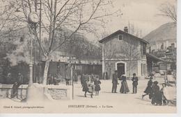 CPA Dieulefit - La Gare (très Belle Animation Avec Train En Beau Plan) - Dieulefit