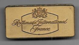 Rothmans International France - Insigne Arthus Bertrand  (66 Mm X 31 Mm ; Poids : 37 Gr ) - Objets Publicitaires
