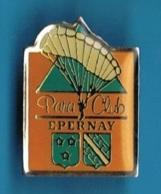 PIN'S //  ** PARA CLUB / EPERNAY ** - Paracadutismo