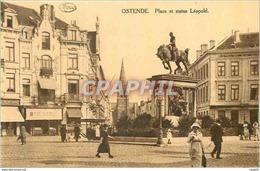 CPA Ostende Place Et Statue De Leopold - Oostende