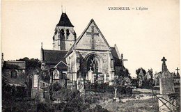 02 - Vendeuil - Eglise Détruite Lors De La Guerre 14/18 - Cartes Postales