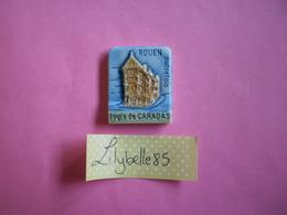 Feve PERSO Ancienne - LOGIS DE CARADAS - PONT SAINT AIGNAN - BALNDIN ROUEN 1998 ( Feves Figurine Miniture ) - Région