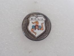 PINS LOT14 - Badges