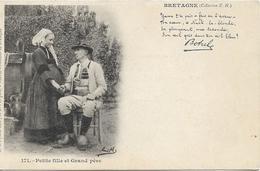 BRETAGNE Petite Fille Et Grand Père - France