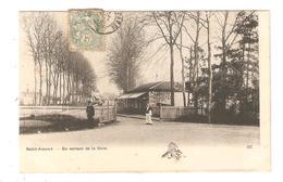 CPA 18 Cher :SAINT AMAND MONTROND En Sortant De La Gare Hôtel Maisons Personnages 1905 - Saint-Amand-Montrond