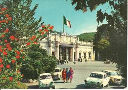 Montecatini Terme (Pistoia) Stabilimento Tettuccio, Facciata, Auto D'Epoca A.R. Giulietta E Fiat 600, Old Cars, Voitures - Pistoia